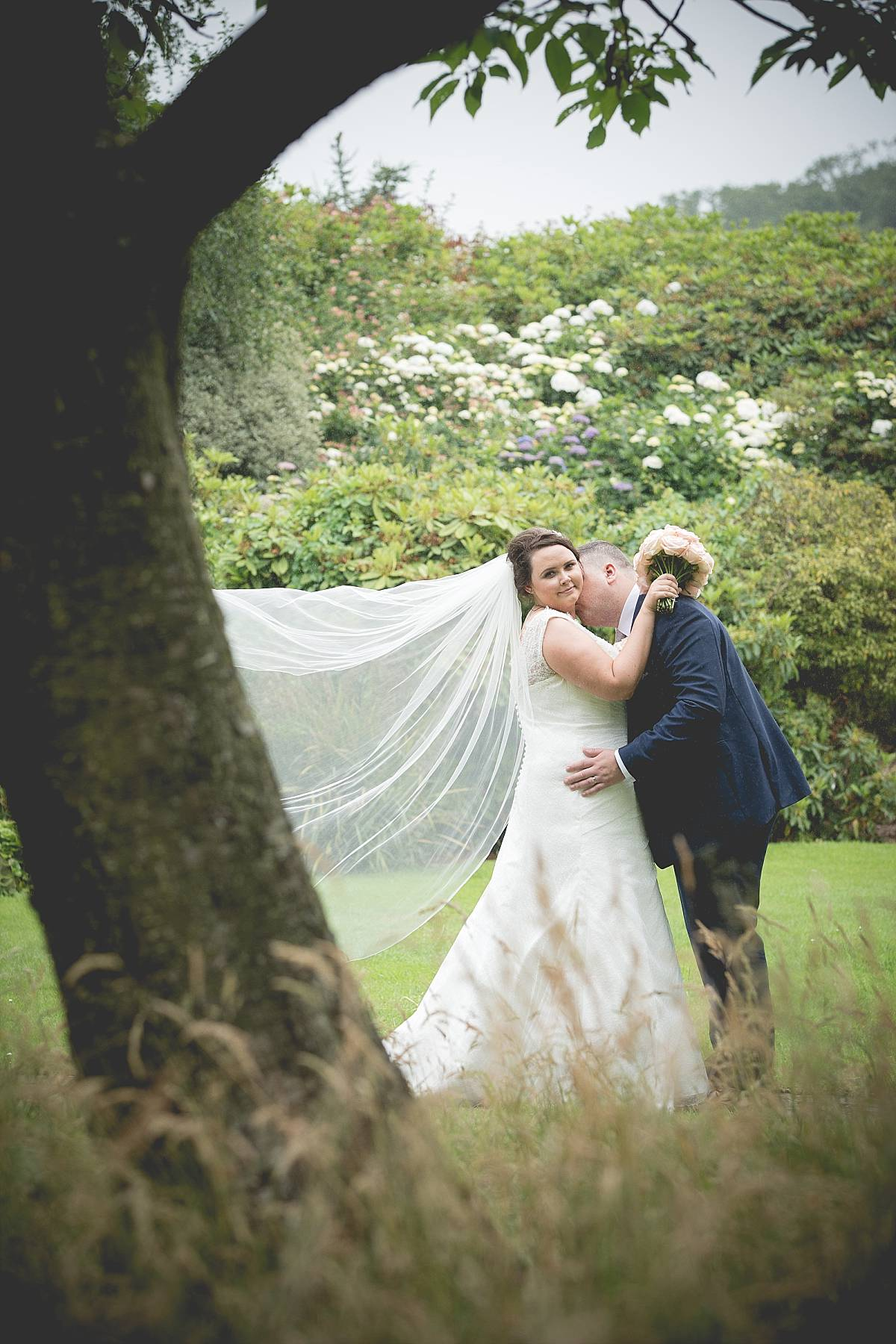 Elegant Summer Stormont Hotel Wedding: Kathryn & Nathan