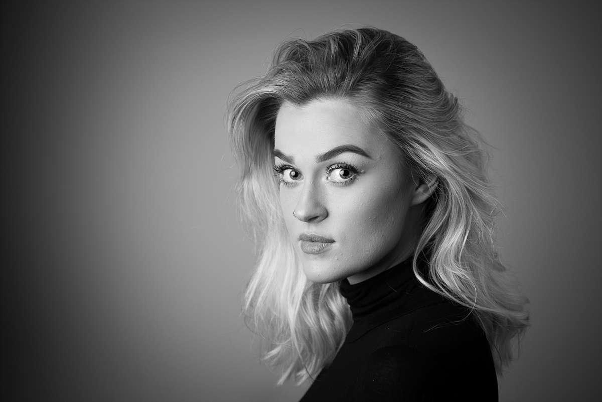 Drama School Audition Headshot Portfolio: Olivia